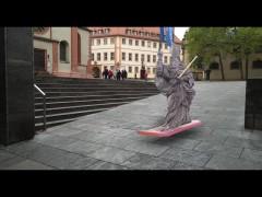 St. Kilian auf Hoverboard