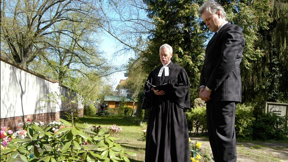Bestattung mit Pfarrer