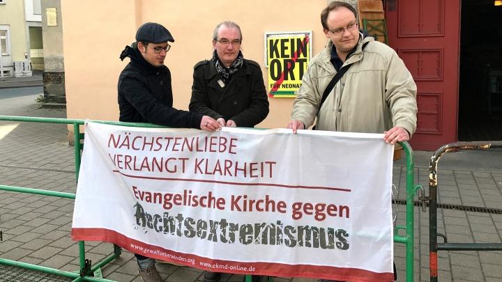 """Mahnwache gegen Rechts im Film """"Kreuz ohne Haken"""""""