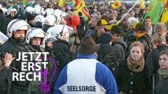 Seelsorger bei einer Anti-Castor-Demo im Wendland