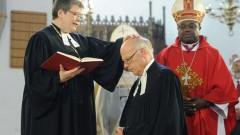 Bischof Ulrich wird eingesegnet