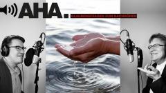 Hände schöpfen Wasser