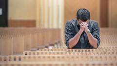 Gebet in der Kirche