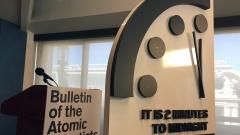 """Weltuntergangsuhr"" des ""Bulletin of Atomic Scientists"""