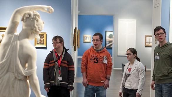 Die Ohrenkuss-Autoren Julian Göpel, Daniel Rauers, Jeanne Marie Mohn und Martin Weser im Wallraf-Richartz-Museum