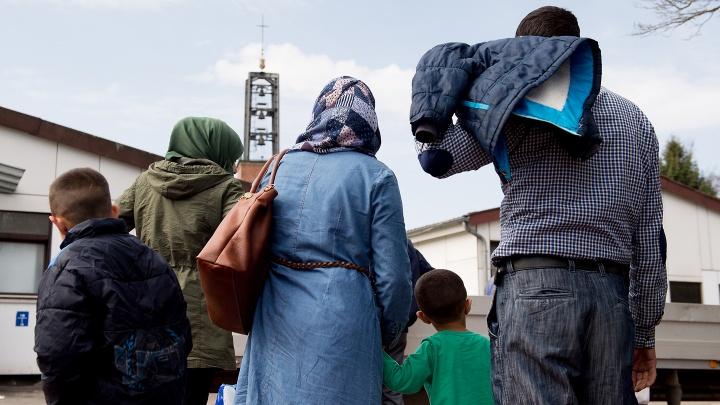 Deutschland hat im vergangenen Jahr das Recht auf Familiennachzug für die Gruppe der subsidiär Schutzberechtigten ausgesetzt. Betroffen sind vor allem Syrer.