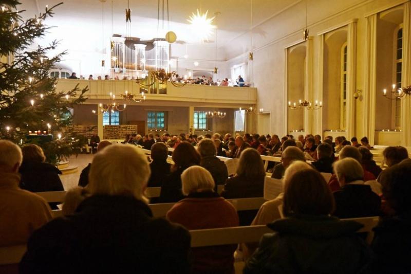 Gottesdienst im winterlichen Herrnhut