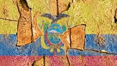 Flagge von Ecuador auf schmutzigem Putz.