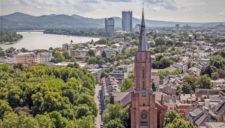 In der Kreuzkirche in Bonn begann die EKD-Synode mit einem Gottesdienst.