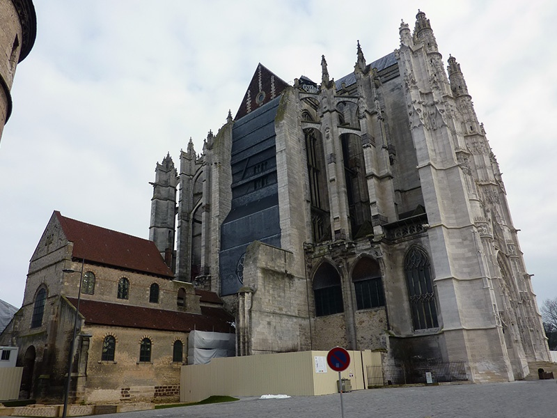 Unvollendete Kirche 1: Kathedrale von Beauvai
