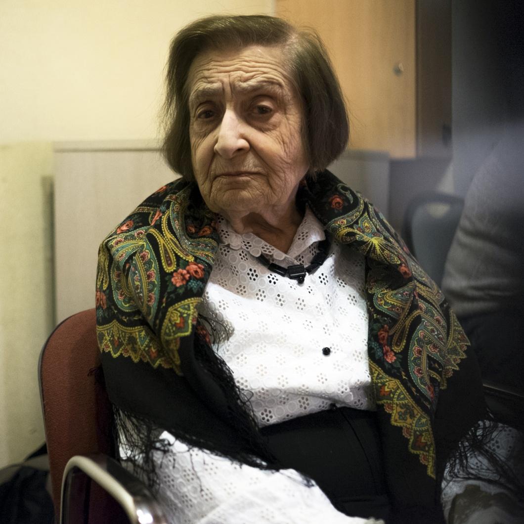Olga Kosorez im Buero von Memorial
