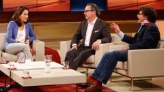 Moderatorin Anne Will mit dem Medienrechtsanwalt Christian Schertz und dem Linken-Politiker Diether Dehm