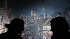 """Margot Käßmann findet es """"schon mal wunderbar"""", dass 300.000 Menschen das360-Grad-Panorama """"Luther 1517"""" des Künstlers Yadegar Asisi gesehen haben."""