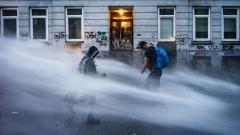 Die Polizei ging beim G20 Gipfel unter anderem mit einem Sondereinsatzkommando gegen die Randalierer vor.