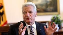 Bundespräsident Joachim Gauck in seinem Dienstzimmer im Schloss Bellevue in Berlin bei einem Gespraech mit dem Evangelischen Pressedienst (epd) am 04.10.2016.