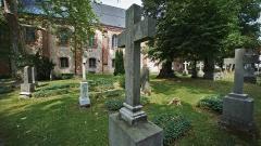 Friedhof an der Stiftskirche des evangelischen Frauenklosters Stift zum Heiligengrabe in Brandenburg.