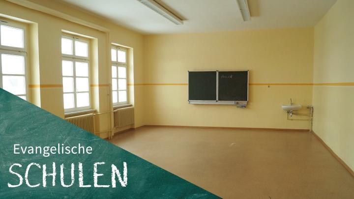 Der leere Klassenraum in der evangelischen Grundschule in Delitzsch.