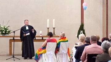 Segnungsgottesdienst zur Hochzeit eines lesbischen Paares in der Kölner Christuskirche (Archiv).