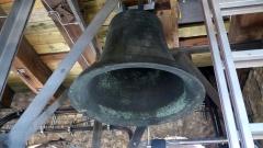 Die Vaterunser-Glocke hängt wieder an ihrem ursprünglichen Platz im Turm der Johanneskirche.