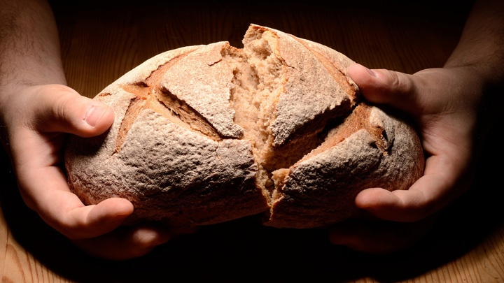 Abendmahl - Brot brechen