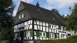 Das Oberholzklauer Pfarrhaus, erbaut 1608.