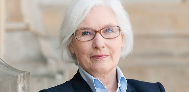Irmgard Schwaetzer, Bundesministerin a. D., ist Präses der Synode der Evangelischen Kirche in Deutschland und Herausgeberin des Magazins chrismon