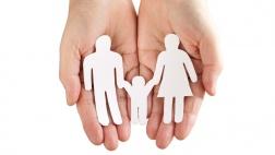 Vater, Mutter, Kind? Hartmut Steeb, sorgt für eine Kontroverse über das Familienbild innerhalb des Verbands evangelikaler Christen.