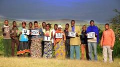 """Chormitglieder aus Tansania werben für den Film """"Luther's Erben - Sing it Loud""""."""