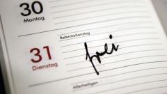 Die Arbeitgeber bestehen darauf, dass die Einführung des Reformationstages als zusätzlicher Feiertag in Norddeutschland von den Arbeitnehmern finanziert wird.