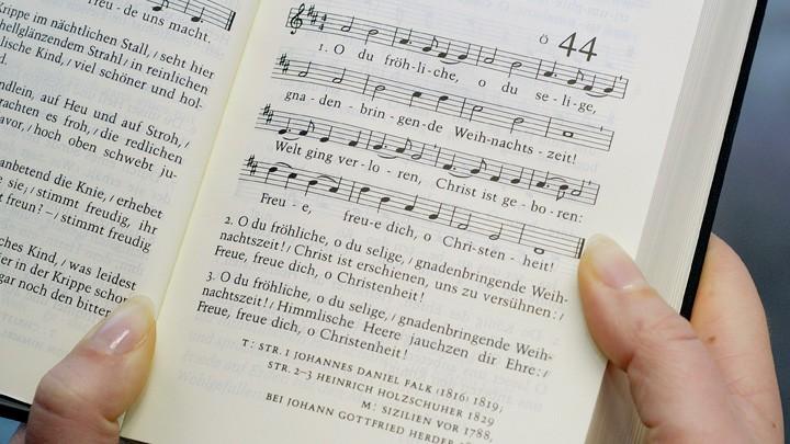"""Das Weihnachtslied """"Oh du fröhliche"""" im evangelischen Gesangbuch."""