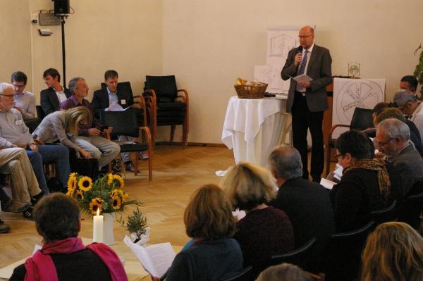 EKD-Friedensbeauftragter Renke Brahms bei der Internationalen Friedenskonsultation 2016 in Berlin.