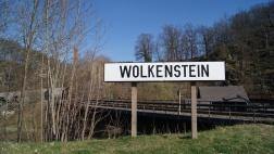"""Schild mit """"Wolkenstein im Erzgebirge"""""""