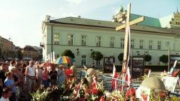 Das Kreuz vor dem Präsidentenpalast zum Gedenken an die Opfer von Smolensk 2010.