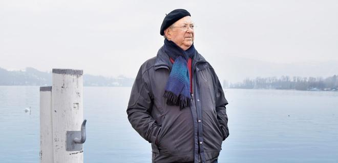 Fulbert Steffensky, am Vierwaldstättersee in Luzern fotografiert
