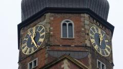 Sturm reisst Zeiger an Hamburger Kirchenuhr ab
