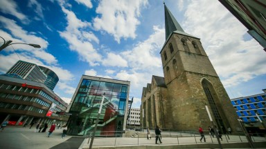 Vorplatz der Stadtkirche St. Petri