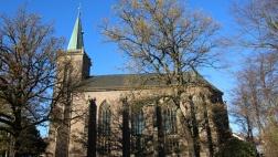 Heilig-Geist-Kirche Menden (Seitenansicht)