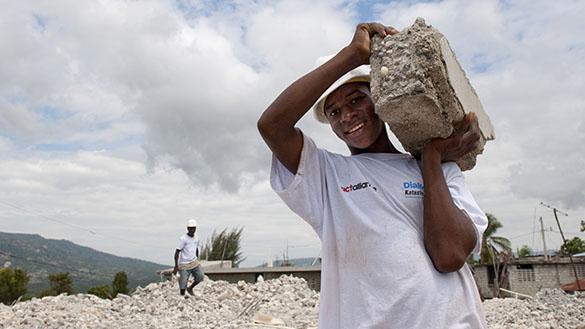 Bilder aus 60 Jahren Diakonie Katastrophenhilfe