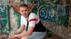 """Film """"Kampfzone Straße"""": Hüseyn (18) hat nochmal die """"Kurve gekriegt"""" - durch ein gleichnamiges landesweites Programm für 500 minderjährige Intensivtäter."""